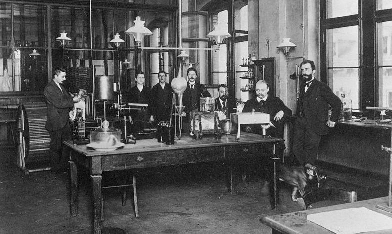 Labolatorium Heinricha Dresera, w którym pracował razem z Felixem Hoffmannem. 1897 rok.