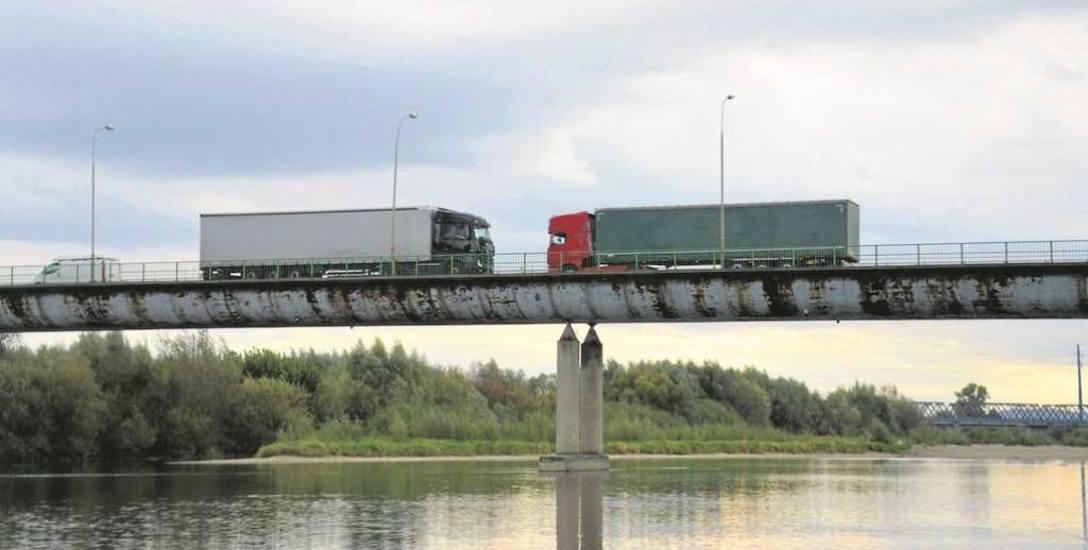 Ostrów. Chcieli zrobić nowy most, ale taniej. Pod wielkim znakiem zapytania stanęła obiecywana budowa