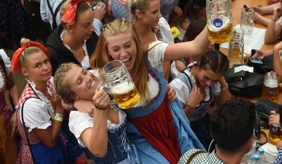 Film do artykułu: Oktoberfest 2018 [ZDJĘCIA] Święto piwa w Monachium. Do kiedy trwa? Imprezę wspierają Robert Lewandowski i piłkarze Bayernu [WIDEO]