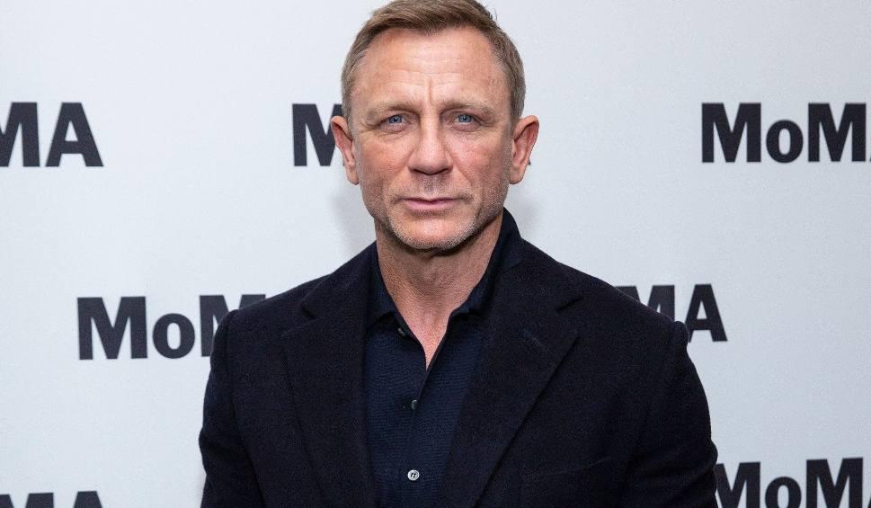 """Film do artykułu: Koronawirus pokonał Jamesa Bonda, premiera """"Nie czas umierać"""" przesunięta. Kiedy zobaczymy film w kinach?"""