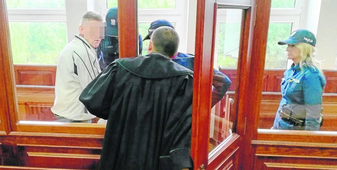Oskarżonemu Stanisławowi K. za zabójstwo grozi kara od 8 lat za kratami do dożywotniego więzienia