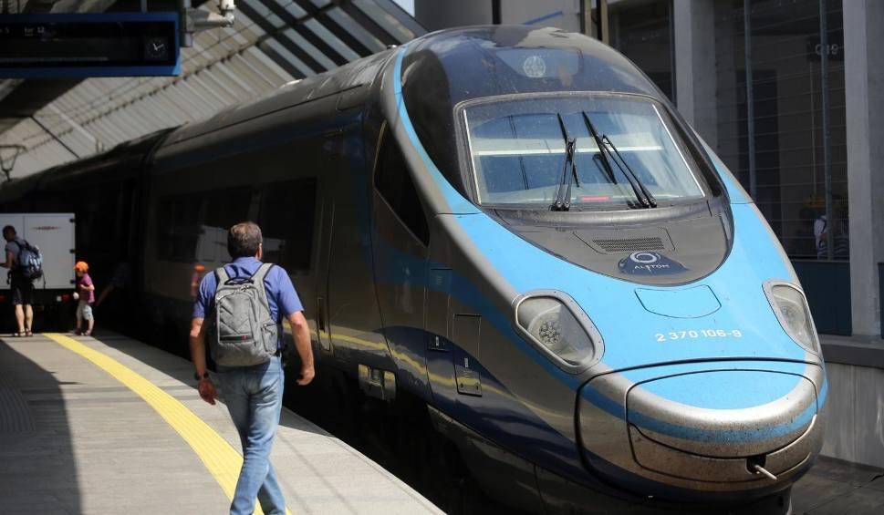 Film do artykułu: PKP Intercity przywraca kolejne połączenia i ogłasza rozkład jazdy na okres wakacyjny. Ważne zmiany dla podróżnych