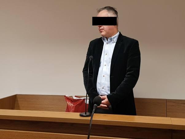Dyrektor Bernard K. dręczył urzędniczki PCPR-u w Strzelcach Opolskich i radził: dorób pod latarnią. Zapadł wyrok