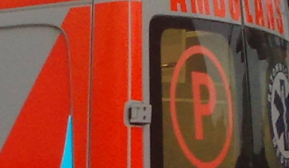 Film do artykułu: Wypadek w Jędrzejowie. Mężczyzna najechał na krawężnik, wywrócił się na chodnik