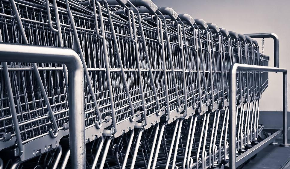 Film do artykułu: Chorzów: sklepy będą czynne całą 24h. Chorzowianie będą mogli zrobić zakupy przez całą dobę. Ale alkoholu w nocy nie kupią!