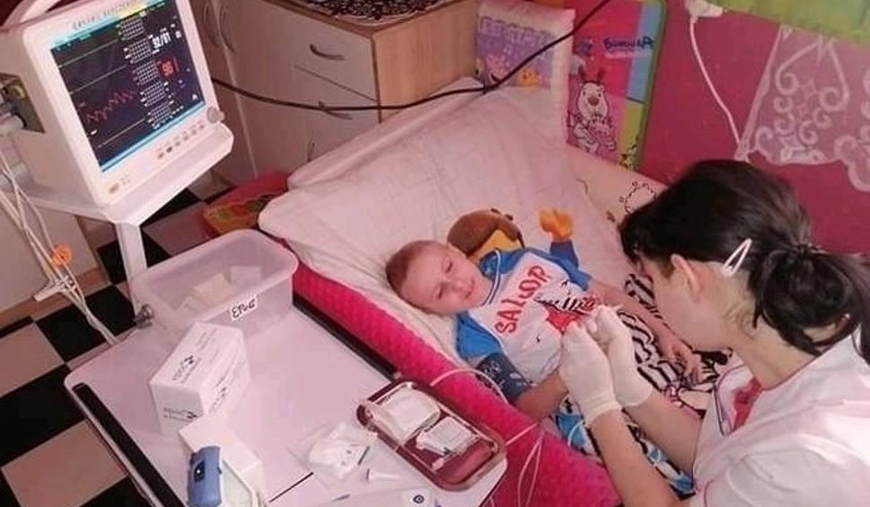 Film do artykułu: 10-letni Kamil z Opatowa strasznie cierpi! W jego żyły wbito już tysiące igieł. Pomóżmy, aby kolejne pobrania krwi nie były tak bolesne