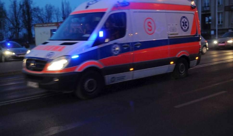 Film do artykułu: Pleszew: Kierowca po wypadku zostawił w aucie dwie ranne pasażerki. Później próbował się powiesić