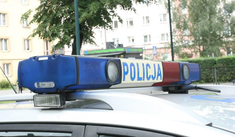 Film do artykułu: Wypadek w Limanowej. Odjechała z miejsca zdarzenia, miała 3.2 promila
