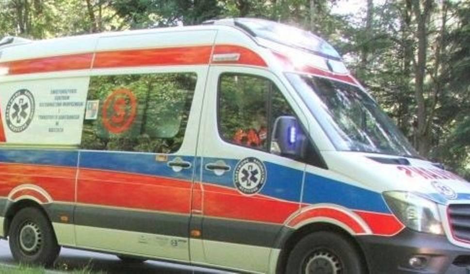 Film do artykułu: Wypadek w Suchedniowie. Rowerzysta trafił do szpitala