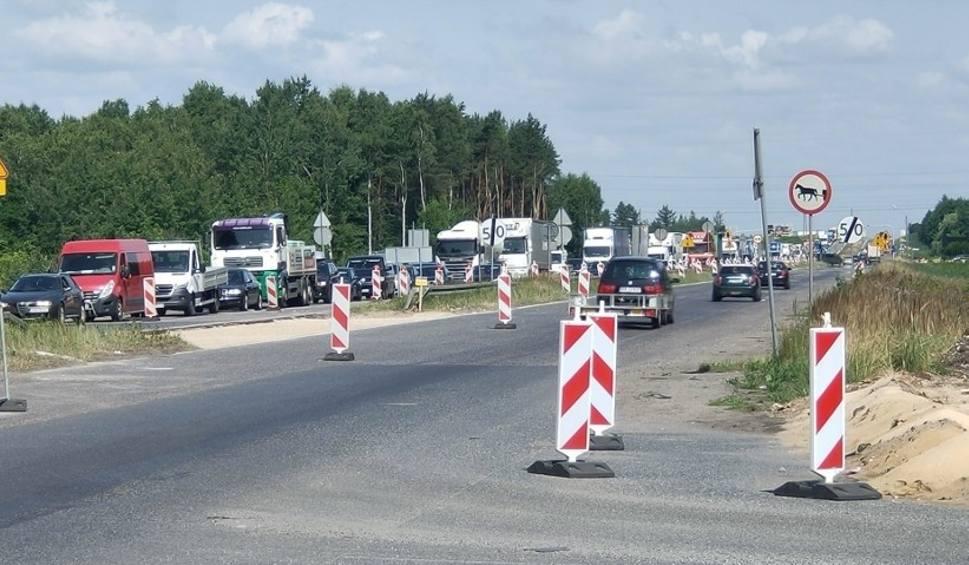 Film do artykułu: Dąbrowa Górnicza. W Ząbkowicach i Antoniowie na przebudowywanej DK1 miały powstać ronda. Dlaczego ich jeszcze nie ma?