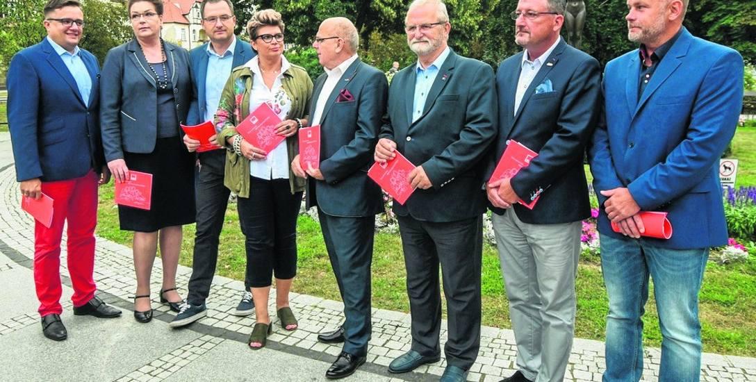 Na konferencji przedstawiono kandydatów  SLD lewica razem. Nie ma wśród nich Jana Szopińskiego.
