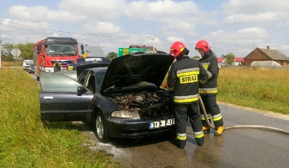 Film do artykułu: Secemin. Auto zapaliło się podczas jazdy