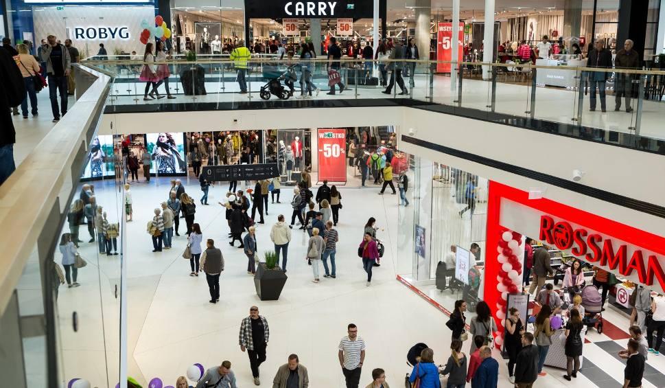 Film do artykułu: Niedziele handlowe styczeń 2020. Warszawa: Gdzie zrobić zakupy 26 stycznia? Jakie sklepy są otwarte w niedzielę 26.01? Kiedy zakaz handlu?