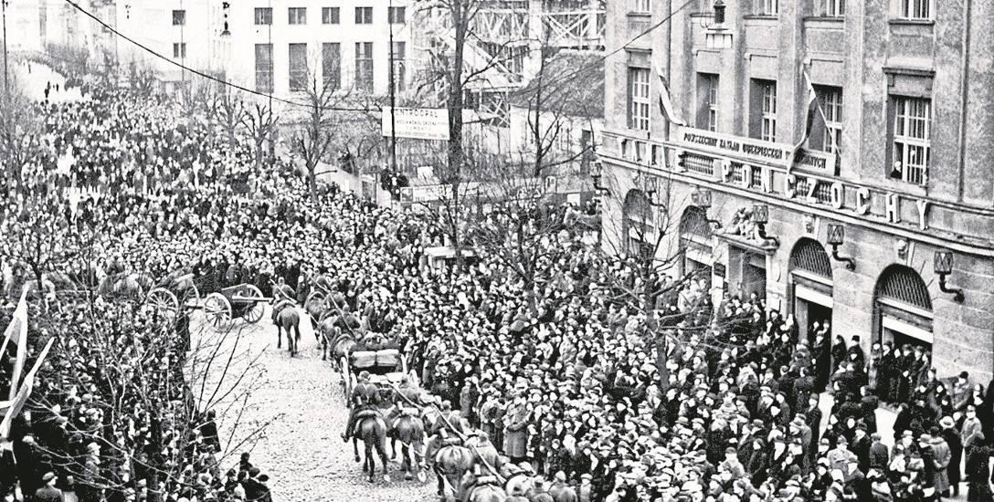 Garnizon wileński powracający z manifestacji zbrojnej na granicy polsko-litewskiej, marzec 1938 r.