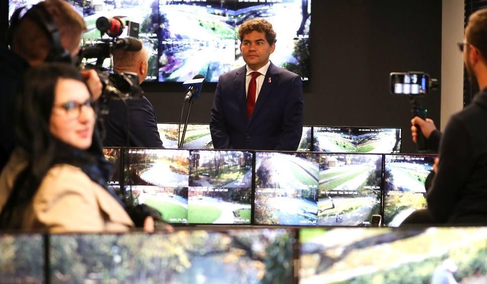 Film do artykułu: Setki kamer śledzi w Stalowej Woli stan bezpieczeństwa i ostrzega