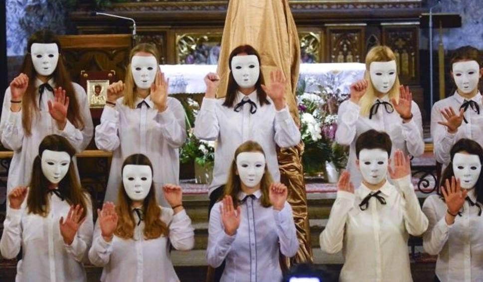 Film do artykułu: Uczniowie stalowowolskiego ekonomika wystawili w kościele spektakl o Polsce