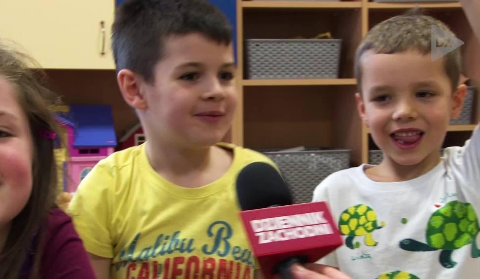Film do artykułu: Przedszkolaki z Katowic wyjaśniają czym jest Sylwester. A CO TO? Odcinek 11