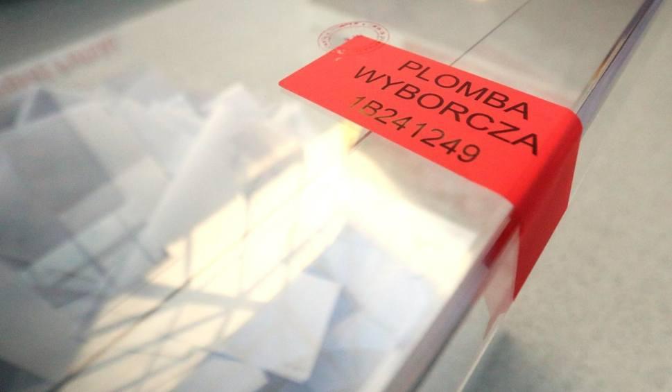 Film do artykułu: Błonie. Wyniki wyborów samorządowych 2018 w Błoniu. Frekwencja. Kto wygrał? Kto został burmistrzem Błonia? Kto został radnym?
