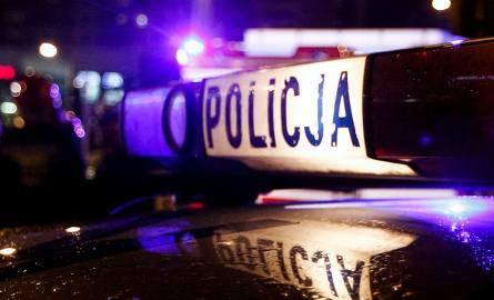Zgwałcił 53-latka gałęzią. Bił i kopał razem z kolegą