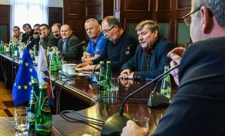 Koniec strajku w Bydgoszczy. Prezes MZK odwołany