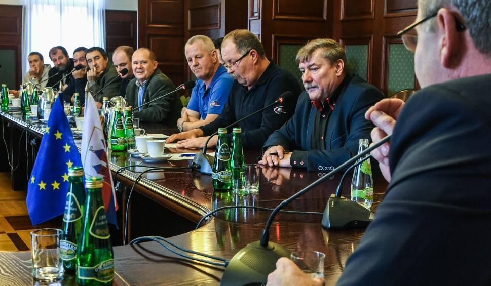 Film do artykułu: Koniec strajku w Bydgoszczy. Prezes MZK odwołany
