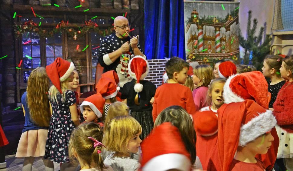 Film do artykułu: Impreza mikołajkowa w Skaryszewie. Tanecznie i radośnie z dziećmi i Mikołajem