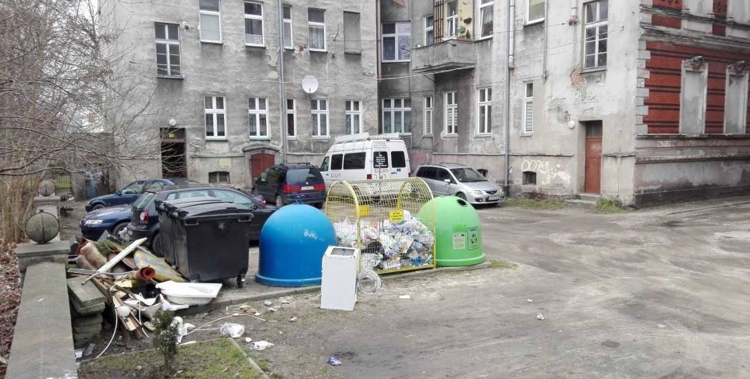 Wiele podwórek na Starym Mieście i w Śródmieściu aż prosi się o zagospodarowanie. Teraz jest na to szansa