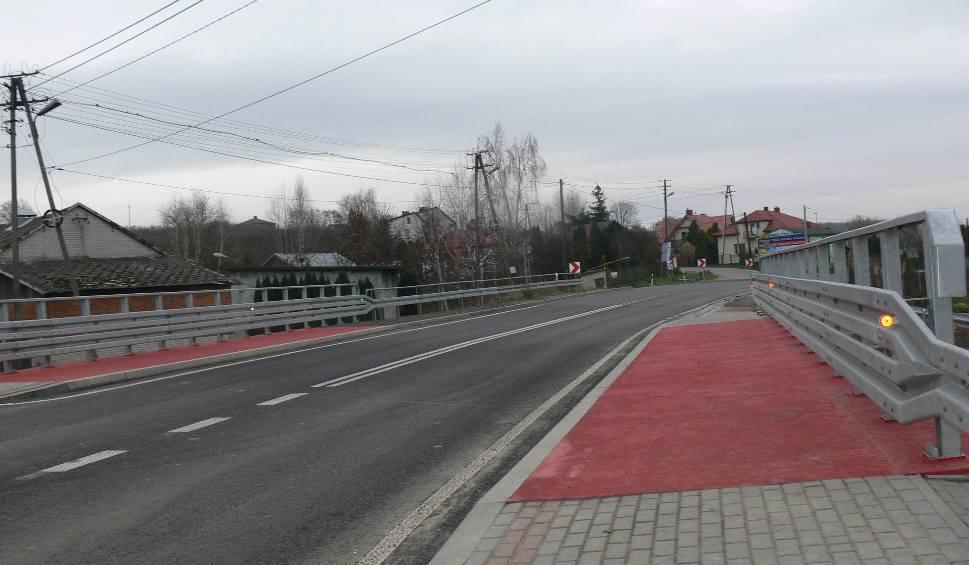 Film do artykułu: Jest nowy most. Koniec utrudnień na drodze krajowej 79 w Andruszkowicach [ZDJĘCIA]