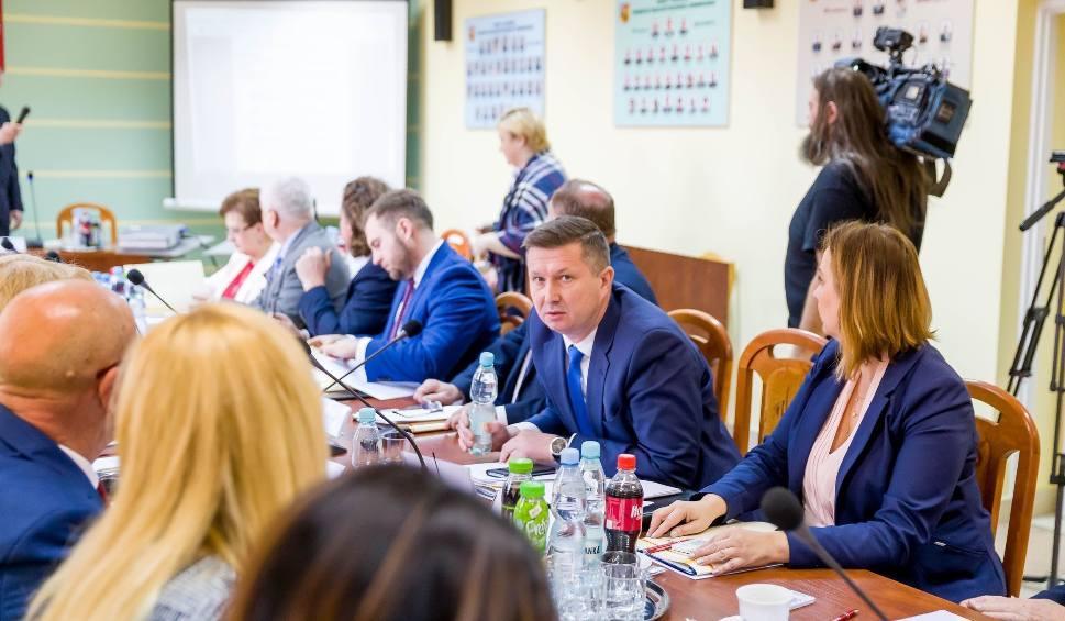 Film do artykułu: Jan Perkowski to nowy starosta białostocki. PiS przejmuje władzę w powiecie białostockim (zjęcia, wideo)