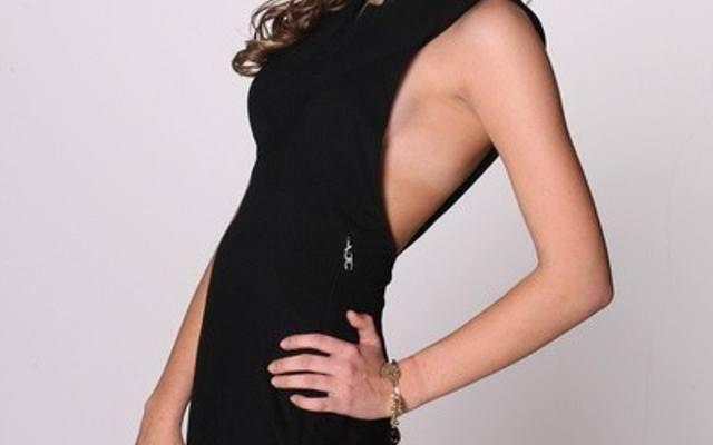 32f6a25278 Najsłynniejsza sukienka według Just Cavalli i Versace Jeans czyli mała  czarna po włosku (zdjęcia)