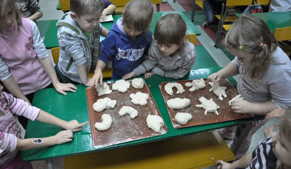 Film do artykułu: Ferie zimowe 2019 w Radomiu. Muzeum Wsi Radomskiej zaprasza dzieci na zimowe ferie