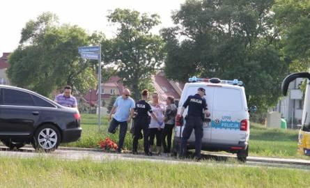 Do niebezpiecznej sytuacji doszło na cmentarzu w Kaliszu. 69-latek zauważył dwie kobiety, które kradły kwiaty z grobów. Gdy próbował je zatrzymać, został