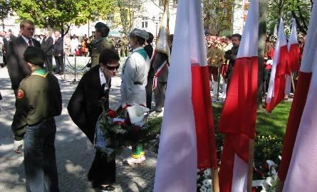 Zawisły flagi na majowe święta (zdjęcia)