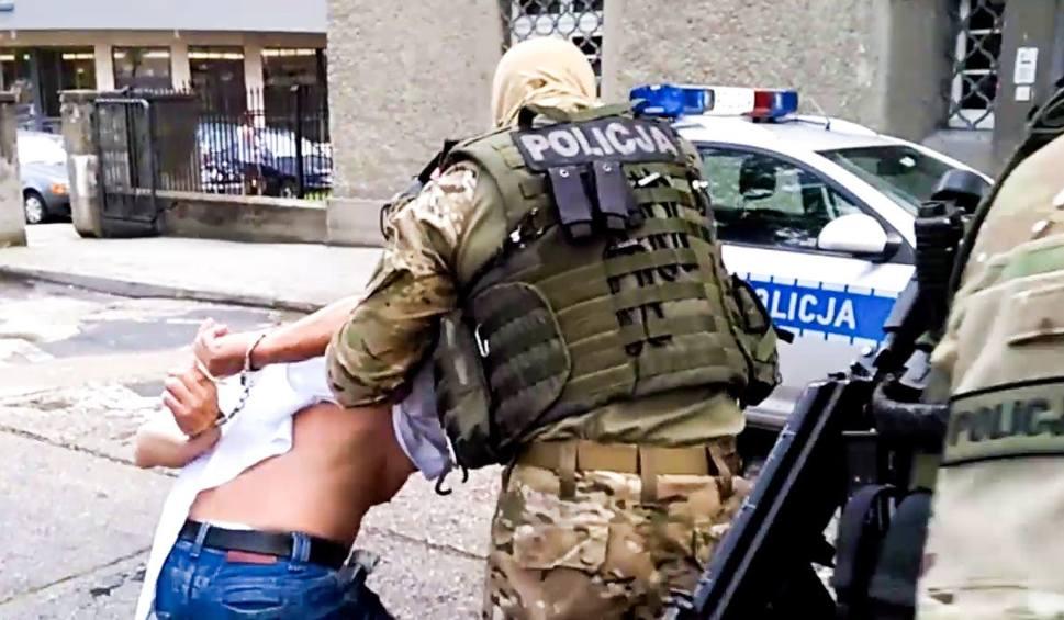 Film do artykułu: Ostatni z trzech podejrzanych o napady na banki w rękach lubuskich policjantów [ZDJĘCIA, WIDEO]