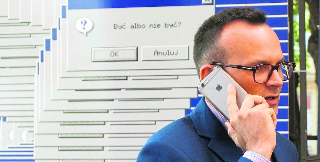 Prawa ręka prezydenta Roberta Biedronia, Marcin Anaszewicz, może też liczyć na nagrody. Za osiągnięcia w pracy zawodowej, sumienność, terminowość i samorozwój