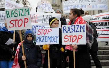 Manifestacja muzułmanów w Poznaniu: Razem przeciwko nienawiści i terroryzmowi