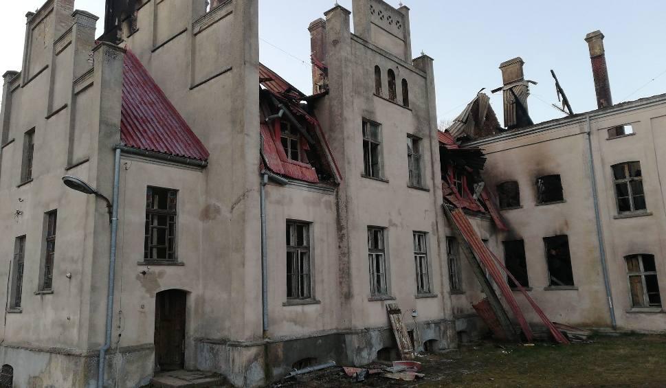 Film do artykułu: Pałac w Główczycach (unikatowa galeria zdjęć sprzed pożaru). Teraz zabytek jest rozkradany