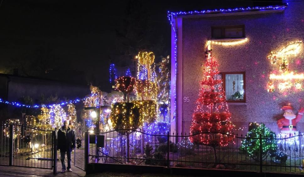 Film do artykułu: To najpiękniej ozdobiony świątecznie dom na Śląsku. Stoi w Przyszowicach. To dzieło Mariana Smolki. Zobaczcie zdjęcia