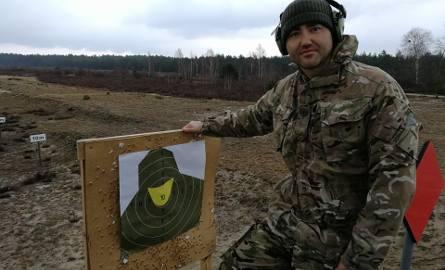 Maciej Bursztein podczas krótkiego szkolenia w Wojskach Obrony Terytorialnej.