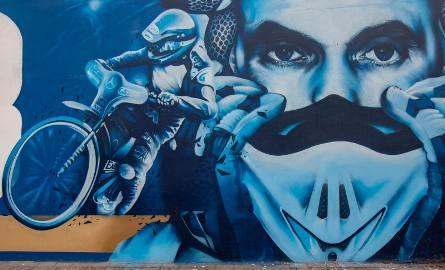 Mural w Bydgoszczy na część Tomasza Golloba