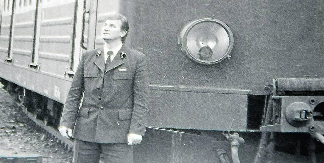 W roku 1983 Józef Kaźmierczak, po kilku  latach pracy w ruchu towarowym, powrócił do obsługiwania składów pasażerskich.