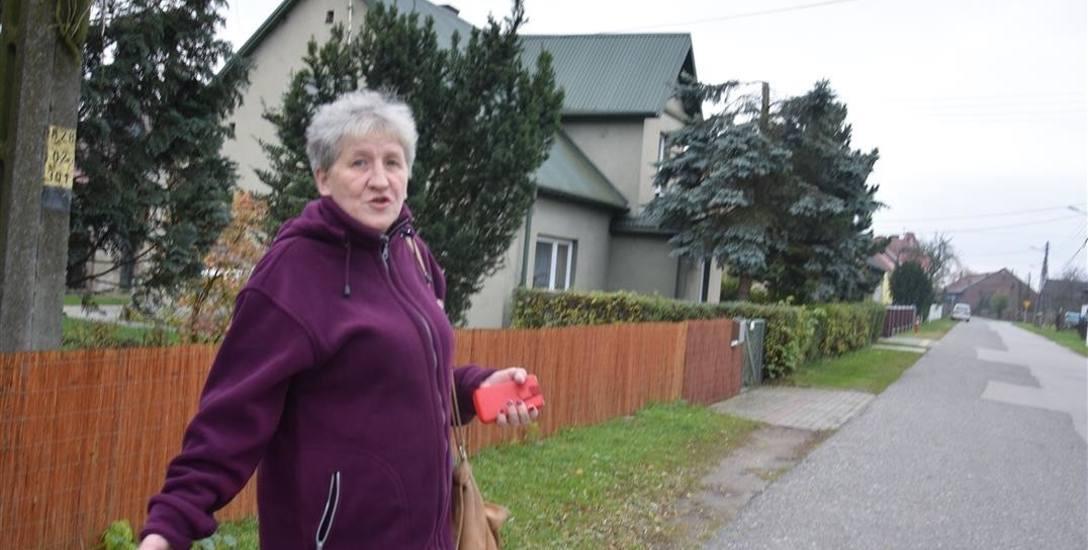 Barbara Kowalewska, mieszkanka Brzeziec: - Nie ma jak zrobić tutaj zakupów, trzeba jechać aż do Kędzierzyna.