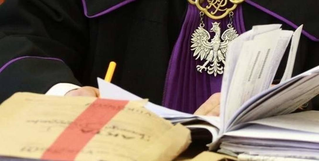 Grzegorz Ł, były wicedyrektor NFZ, znowu przed sądem. Wiceszef NFZ i koledzy nie czują się winni