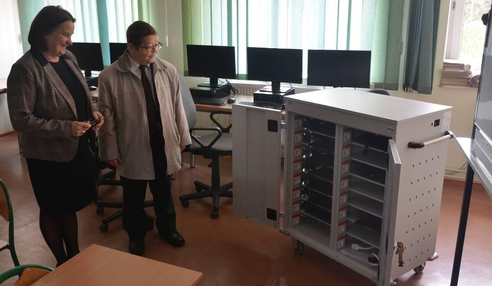 Film do artykułu: Pomoce naukowe dzięki Unii w szkołach w gminie Jeżowe