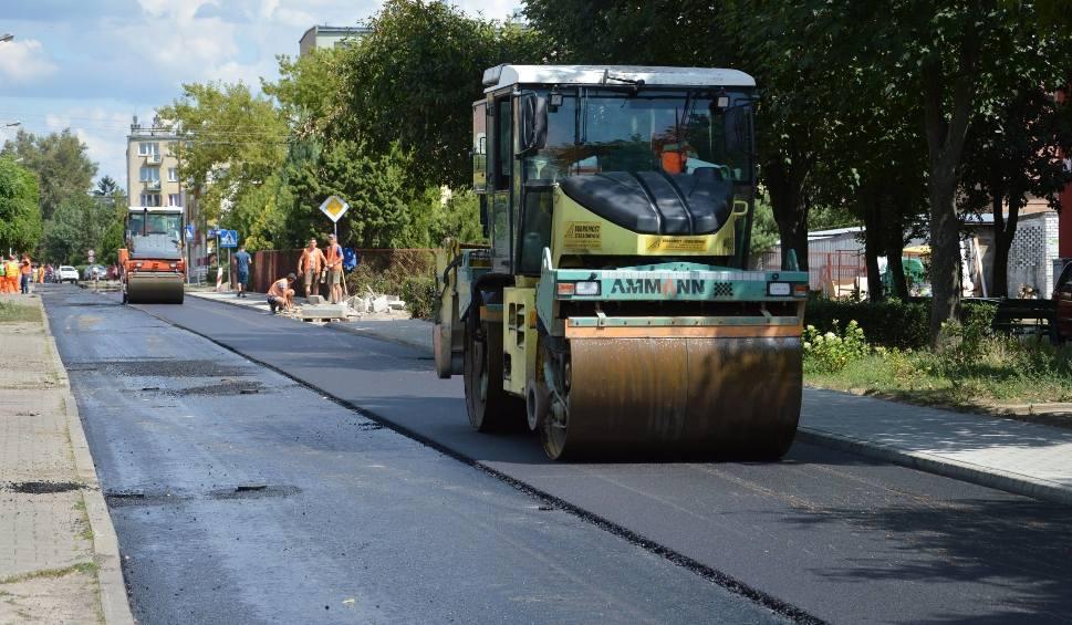 Film do artykułu: Trwa remont ulicy Kopernika w Ostrowcu. Która ulica będzie następna? [ZDJĘCIA]