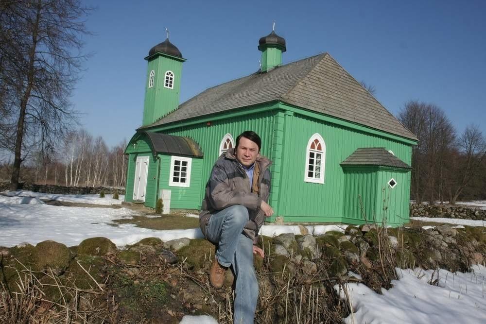 Dżemil Gembicki opiekuje się meczetem w Kruszynianach, najstarszą tatarską świątynią w Polsce
