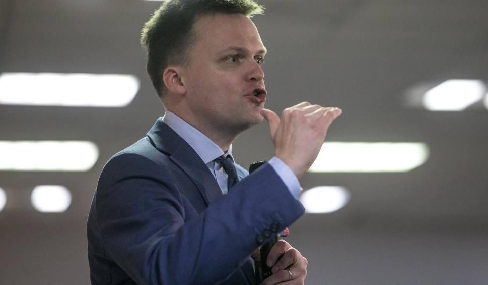 """Film do artykułu: Wybory 2020: Kontrowersyjny spot Szymona Hołowni. To kpina ze Smoleńska? [WIDEO] """"Będziemy walczyć o każde drzewo, nie tylko o jedno"""""""