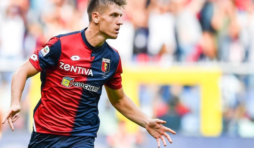Film do artykułu: Krzysztof Piątek piłkarzem AC Milan. Polak będzie zarabiać w Mediolanie 2 mln euro