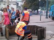 Wykolejony tramwaj, spawanie torów pod Wawelem. Utrudnienia dla pielgrzymów w pierwszy dzień ŚDM