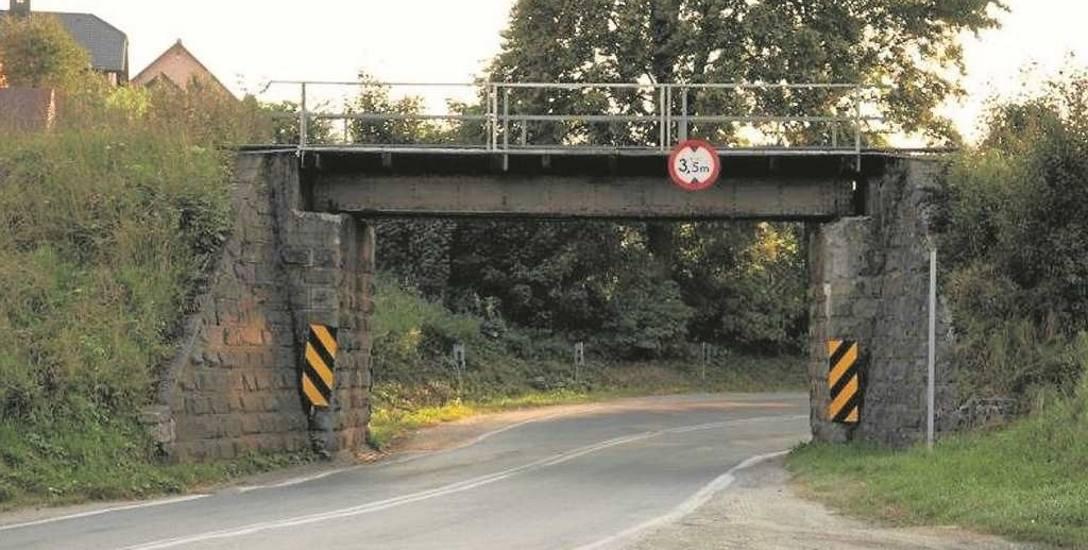 Zniknie kłopotliwy wiadukt, który jest pułapką dla tirów